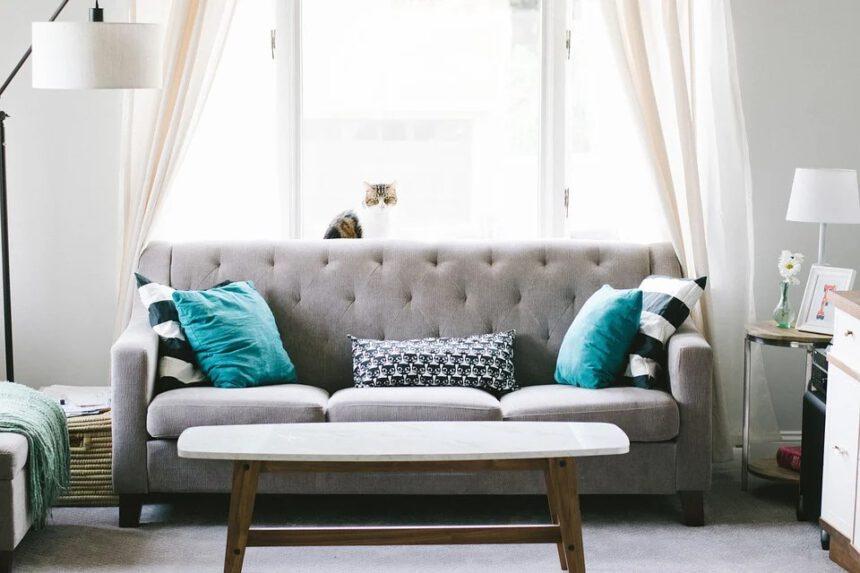 Cara Membersihkan Sofa yang Benar